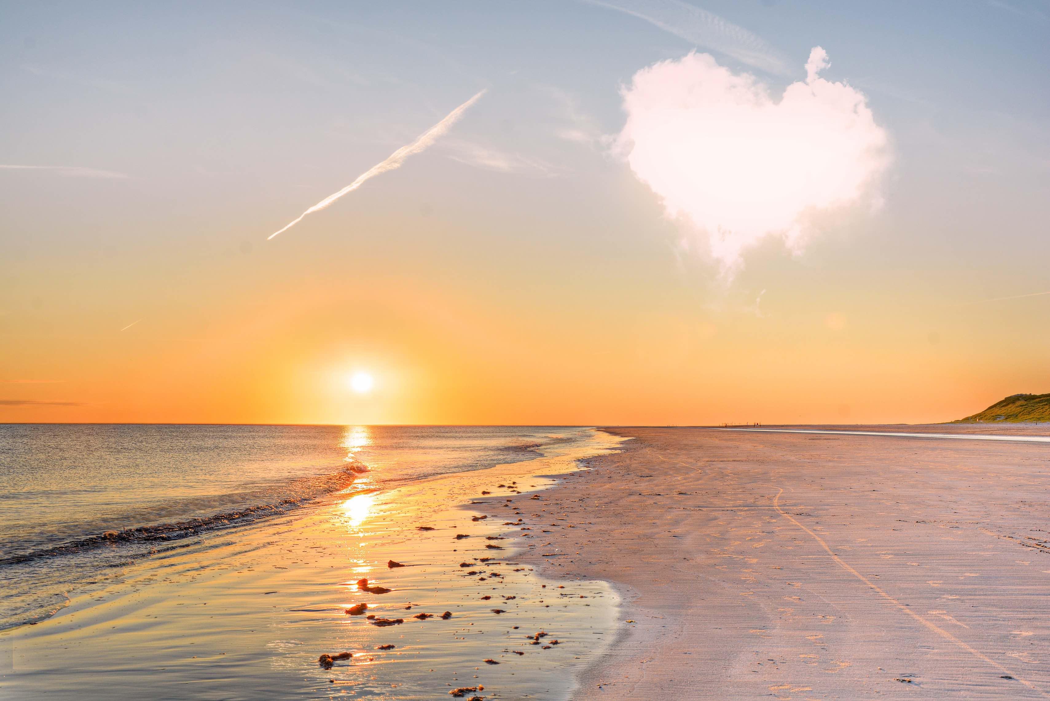 Bilder Am Strand : sonnenuntergang am strand wildwechsel ~ Watch28wear.com Haus und Dekorationen